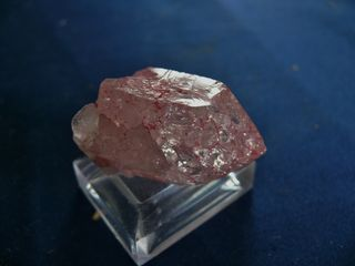 CRACKLE QUARTZ POINT PINK COLOURED